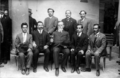 Venustiano Carranza y diputados de Oaxaca, retrato de grupo