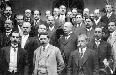 Félix Díaz y grupo de hombres, retrato de grupo