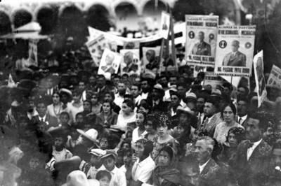 Personas reunidas en un mitin de Pascual Ortiz Rubio en Michoacán