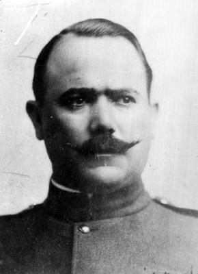 Alvaro Obregón de frente, retrato