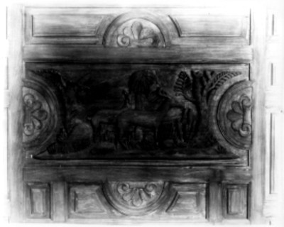 Tablero de puerta tallada decorada con animales tallados, detalle