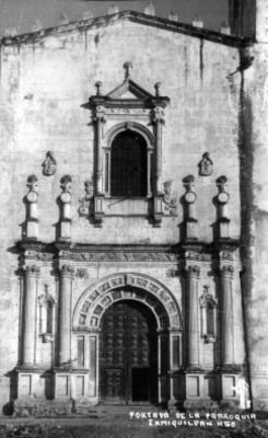 Vista parcial de la portada del convento de San Miguel Arcángel en Ixmiquilpan