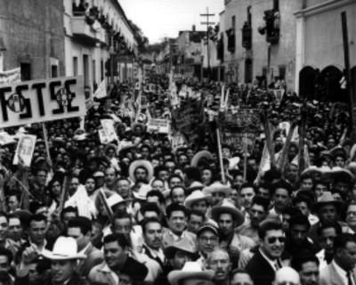 Mitin politico en apoyo al candidato a presidente de la república Adolfo López Mateos