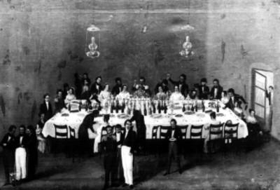 Litografia de un banquete de mediados del siglo XVIII, reprografía