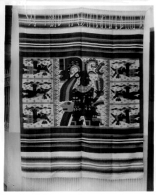 Sarape decorado con figuras prehispánicas