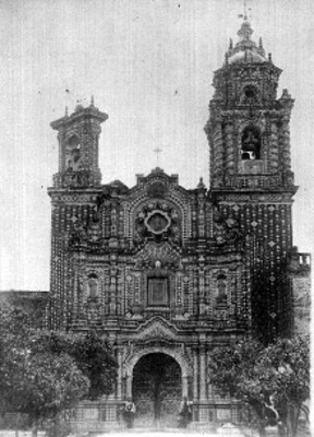 Fachada Iglesia de San Francisco, en Acatepec Puebla