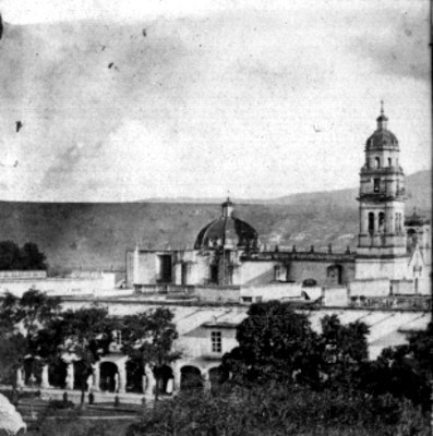 "Vista lateral de la Catedral de ""Morelia"", Michoacán, estereoscópica"