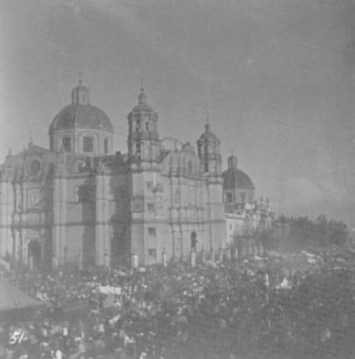 Feligreses en la Basílica de Guadalupe