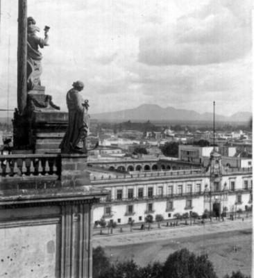 Vista de Palacio Nacional desde la Catedral Metropolitana, estereoscópica