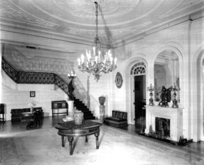 Vista del lobby de una casa habitación