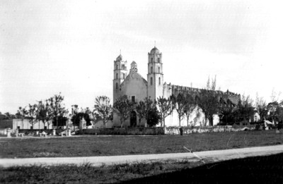 Iglesia de Hoctún, exterior, vista de conjunto