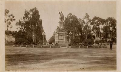 """Monumento a Cristobal Colón, """"Statue of Columbus"""""""