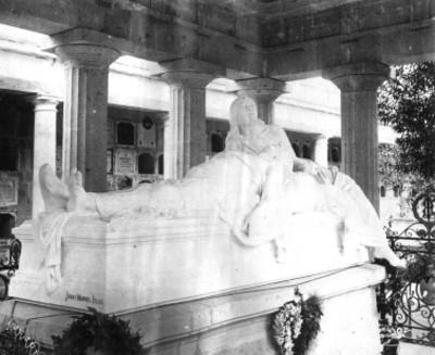 Mausoleo a Benito Juárez en el panteón de San Fernando, vista parcial