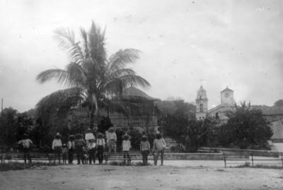 Campesinos en Plaza pública