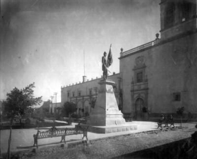Estatua de Don Ignacio Allende en Celaya, Guanajuato