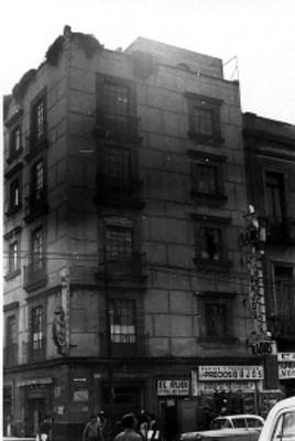 Edificio entre las calles de Corregidora y Jesús María, ciudad de México
