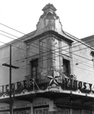 Detalle de un edificio ubicado en Corregidora y Jesús Maria, ciudad de México