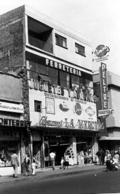 Almacenes La Merced en la calle Corregidora
