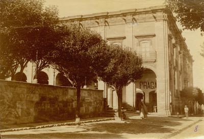 Casa del Coronel Narciso Maria Loreto de la Canal, exterior