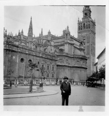 """Catedral de Santa María de la Sede, """"la giralda"""", vista parcial"""