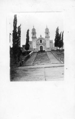 Iglesia, fachada principal