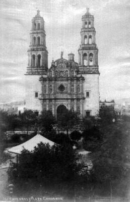Catedral y plaza de Chihuahua