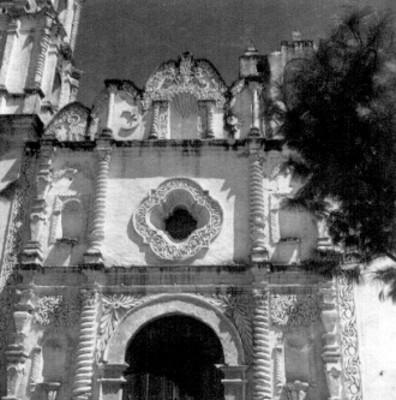 Portada de la Parroquia de Santa María Magdalena, Puebla