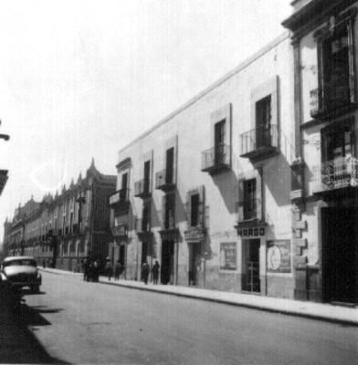 Casa marcada con el número 105 en la Avenida 5 Poniente, Puebla