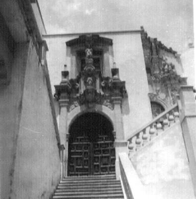 Portadas del Templo de Templo de San José y Señor Santiago colocadas en la Universidad de Guanajuato