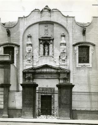 Portada de la Iglesia de Santa Brigida