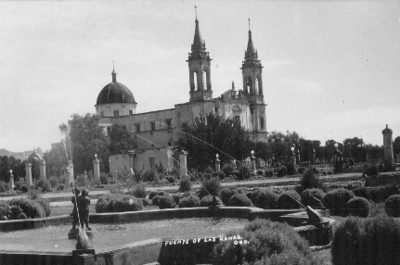 Fuente de las Ranas e Iglesia de los Ángeles, tarjeta postal