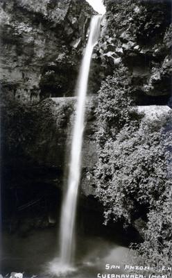 Tarjeta postal de la Cascada en San Anton, Cuernavaca