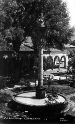 Plaza principal de Quiroga, Michoacán, tarjeta postal