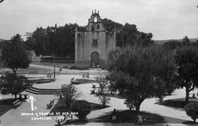 Jardín y Templo de Santa Ana en Campeche, tarjeta postal