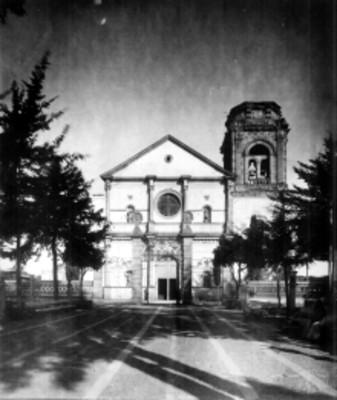 Fachada de iglesia