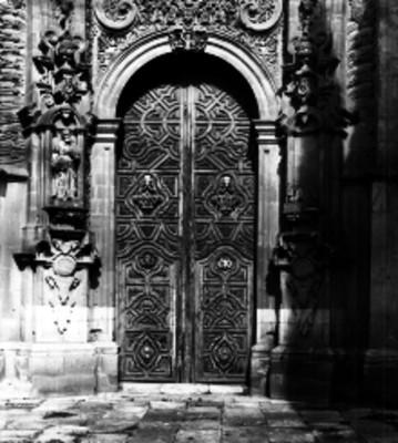 Portada de iglesia