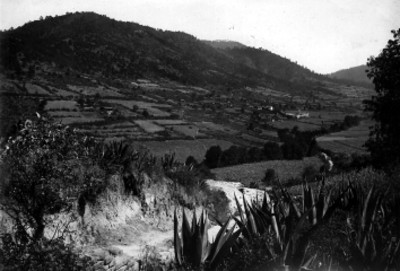 Vista general de un pueblecito cerca de Tarasquillo