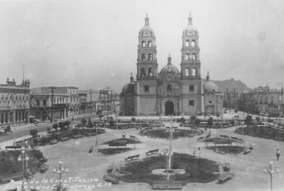 """""""Plaza de la Constitución y Catedral. Durango"""", tarjeta postal"""
