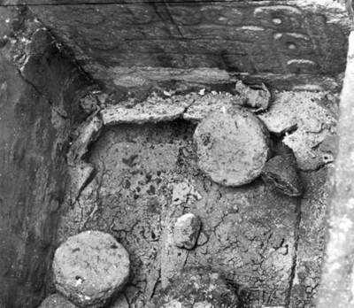 Ofrenda encontrada en una caja de piedra en el Templo de Ehécatl, ciudad de México