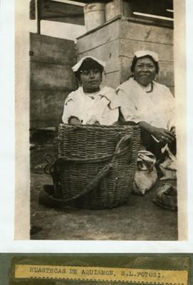 """Mujeres """"Huastecas de Aquismón S.L. Potosí"""""""