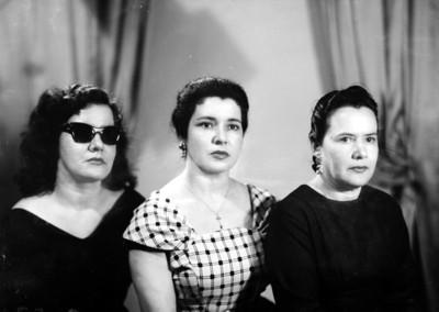 Tres mujeres, retrato de busto