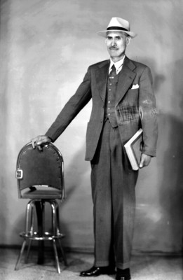 Hombre de traje, retrato