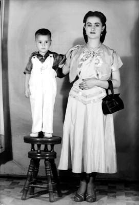 Mujer y niño, retrato