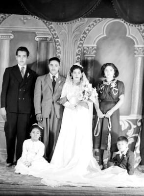 """""""Matrimonio Nadia con familia"""", retrato de grupo"""