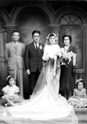 Matrimonio Nadia con familia, retrato de grupo