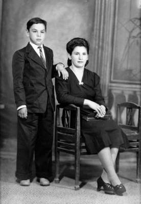 Mamá con hijo, retrato