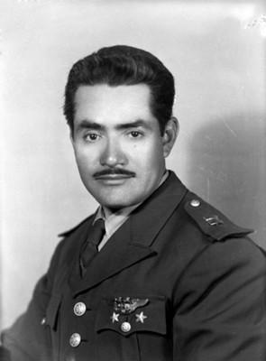 Oficial del ejército, retrato de busto