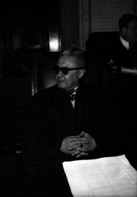 Juan José González Bustmante, Ministro de la Suprema Corte de Justicia de la Nación, durante un juicio