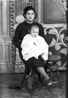 Madre e hijo de clase media, retrato