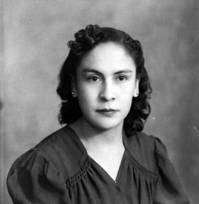 Mujer adolescente, retrato